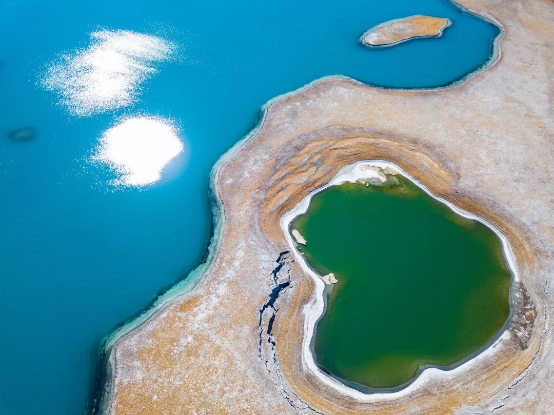 美到窒息!这组航拍的西藏美景太让人震撼了……