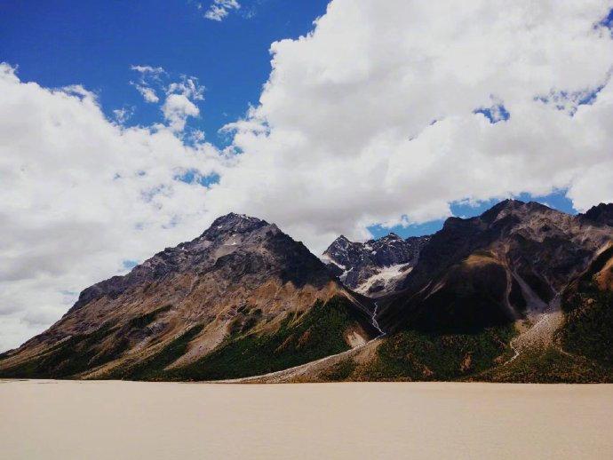 西藏的美,全然在路上~等一个人,骑行川藏线吧!