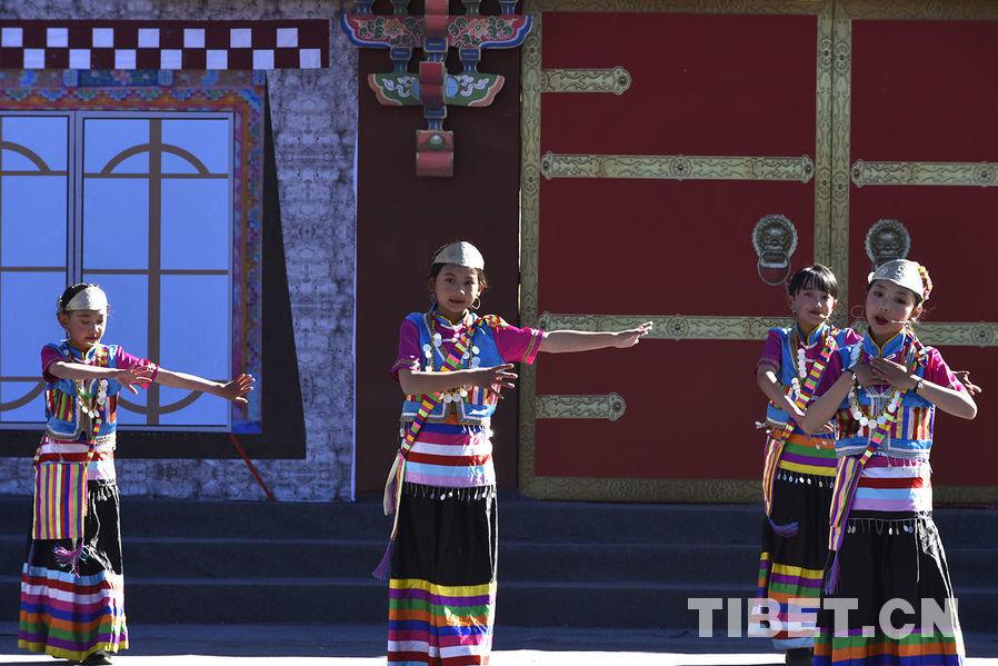 西藏林芝:工布新年踏歌来